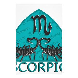 Den astrologiska scorpioen undertecknar brevpapper