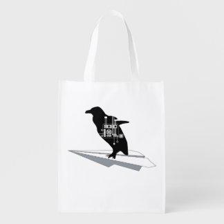 Den återvinningsbara flygpingvinet hänger lös återanvändbar påse