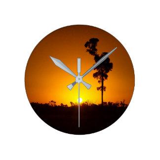 Den australiensiska solnedgången tar tid på rund klocka