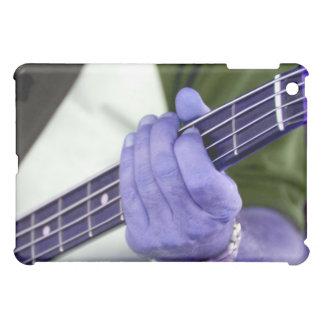 den bas- blåttspelare räcker på nackemanlig iPad mini fodral