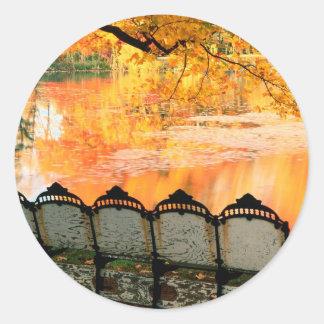 Den bäst hösten placerar i huset Louisville Runt Klistermärke