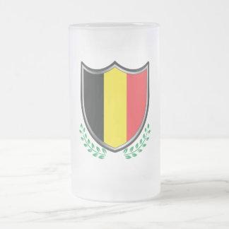 Den Belgien flagga skyddar med lagrar 16 uns den Frostat Ölglas