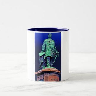 Den Bismarck minnesmärken, Berlin, blått drar Två-Tonad Mugg