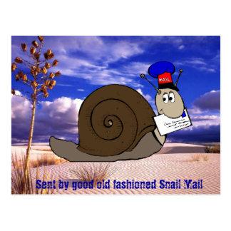 Den bra gammalmodiga snigeln postar vykort