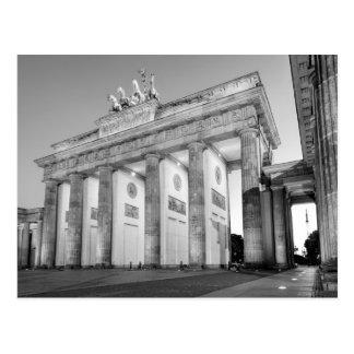 Den Brandenburger Tormonokromen fotograferar Vykort