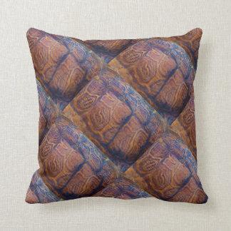 den bruna sköldpaddasnäckan kudder kudde