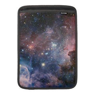 Den Carina nebula'sens gömmde hemligheter MacBook Sleeve