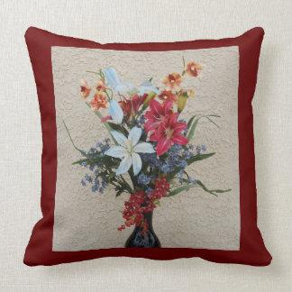 Den dekorativa vasen och blommor kudder kudde
