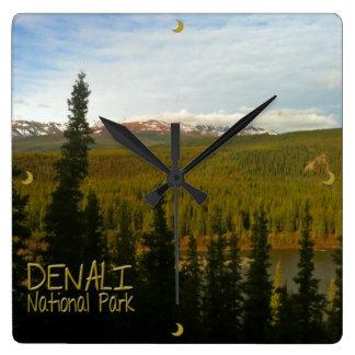Den Denali nationalparken i Alaska landskap Fyrkantig Klocka