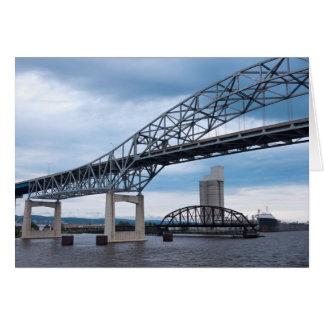 Den Duluth hamnen överbryggar på Lake Superior Hälsningskort