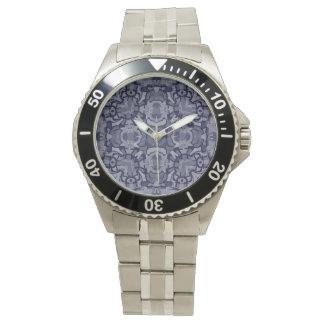 Den Eastchester klockan i många utformar Armbandsur