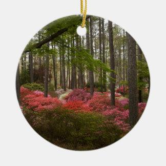 Den färgrika azaleaen landskap julgransprydnad keramik