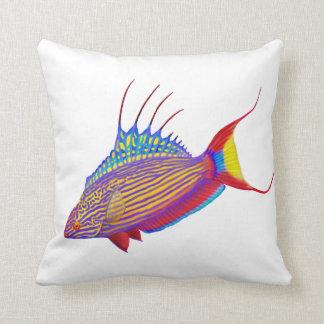 Den färgrika fisken för blinkerWrassereven kudder Prydnadskudde