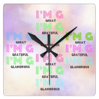 Den färgrika (underbart tacksamt glamoröst) väggen fyrkantig klocka