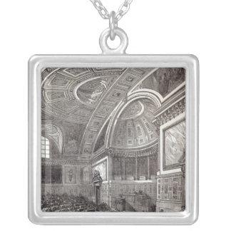 Den franska kammaren av jämliken silverpläterat halsband