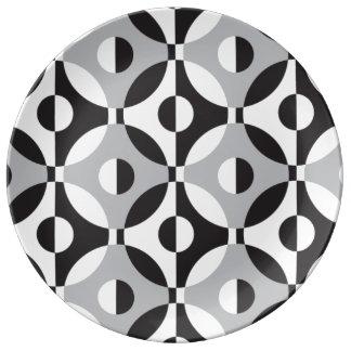 Den geometriska svarten, vit och grå färg cirklar porslinstallrik