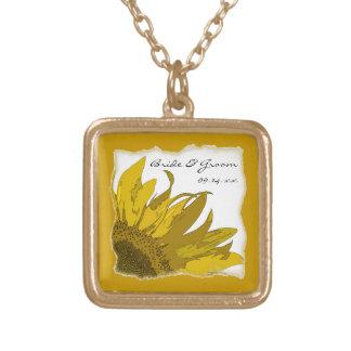 Den gula solrosen tränga någon bröllop halsband med fyrkantigt hängsmycke