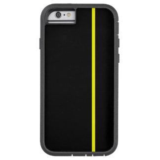 Den gula tunna lodrät fodrar på svart tough xtreme iPhone 6 fodral