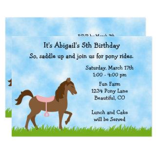 Den gulliga bruna hästponnyn rider 12,7 x 17,8 cm inbjudningskort