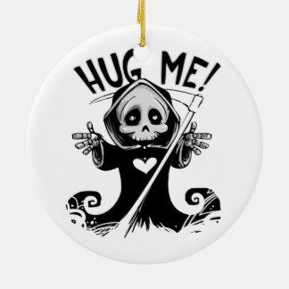 Den gulliga grymma reaperen kramar mig julgransprydnad keramik