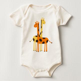 Den gulliga roliga giraffet parar body för baby