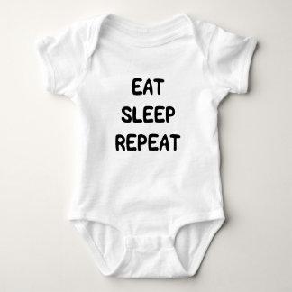 Den gulliga sötsaken äter sömnrepetitiontext för tshirts