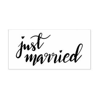 Den handskrivna enkla moderna ny gifta skrivar stämpel