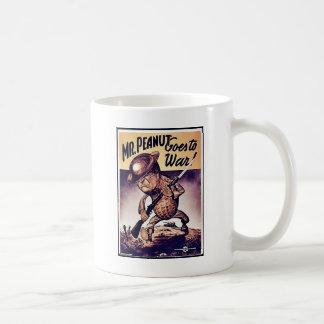 Den Herr jordnöten går till krig Kaffemugg