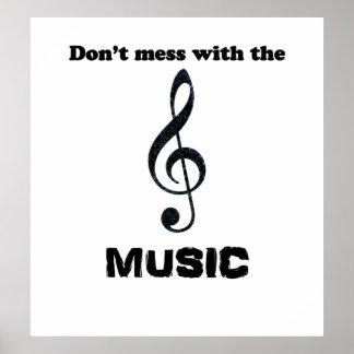 """Den humoristiska musikaffischen """"rörar inte med MU Poster"""