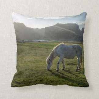 Den isländska hästen kudder prydnadskuddar