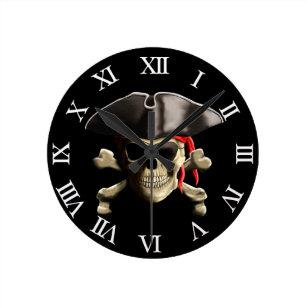 Den Jolly Roger piratskallen Rund Klocka