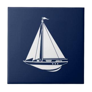 Den keramiska nautiska segelbåten belägger med kakelplatta