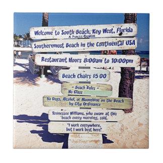 den Key West florida stranden undertecknar Kakelplatta