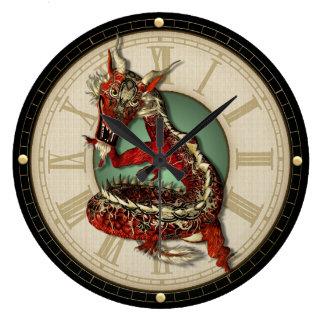 Den kinesiska röda drakeväggen tar tid på stor klocka