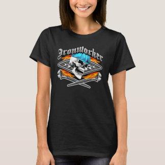 Den korsade skallen och att flamma för Ironworker T-shirt