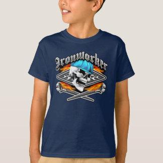 Den korsade skallen och att flamma för Ironworker Tee Shirts