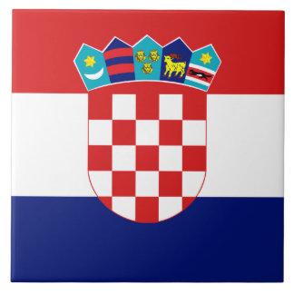 Den kroatiska flagga belägger med tegel kakelplatta