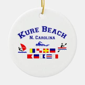 Den Kure stranden NC signalerar flaggor Rund Julgransprydnad I Keramik