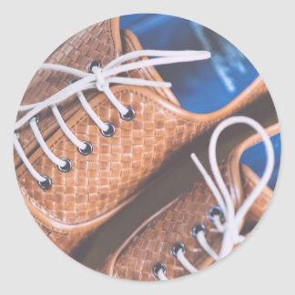Den läderSnakeskin bruntet skor Runt Klistermärke