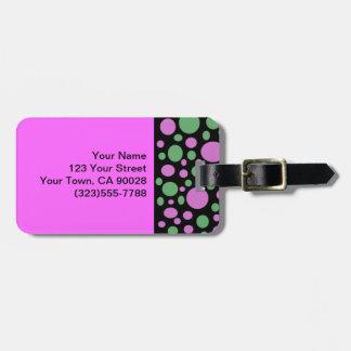 Den ljusa rosagröntpolkaen pricker design bagagebricka