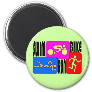Den LJUSA TRI springan för Triathlonsimmacykeln kv Magnet