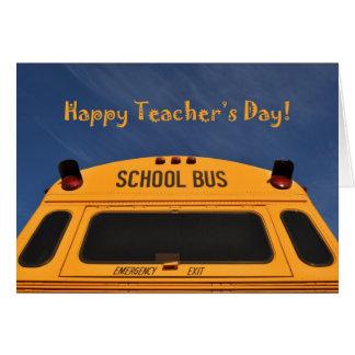 Den lyckliga lärare skolbussen för daggult hälsningskort
