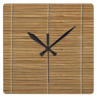 Den matta bambustranden kvadrerar tar tid på fyrkantig klocka