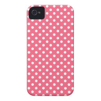 Den medelrosa polkaen pricker blackberry Case-Mate iPhone 4 fodral