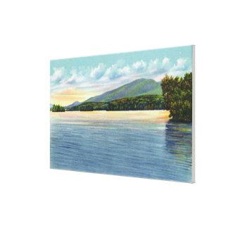 Den mellersta Saranac sjön beskådar av monteringse Canvastryck