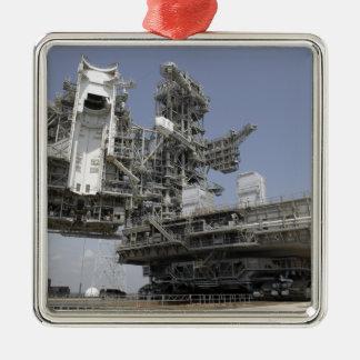 Den mobila launcherplattformen flyttat julgransprydnad metall