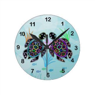 Den mosaiska havssköldpaddan tar tid på rund klocka
