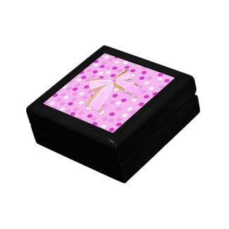 Den nätt rosa polkaen pricker pilbågegåvan boxas minnessakar
