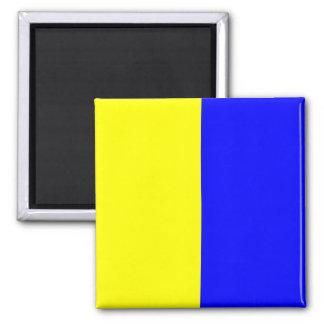 Den nautiska flagga signalerar brev K (kiloen)