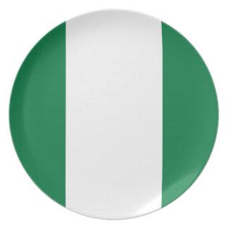 den nigeria landflagga pläterar tallrik